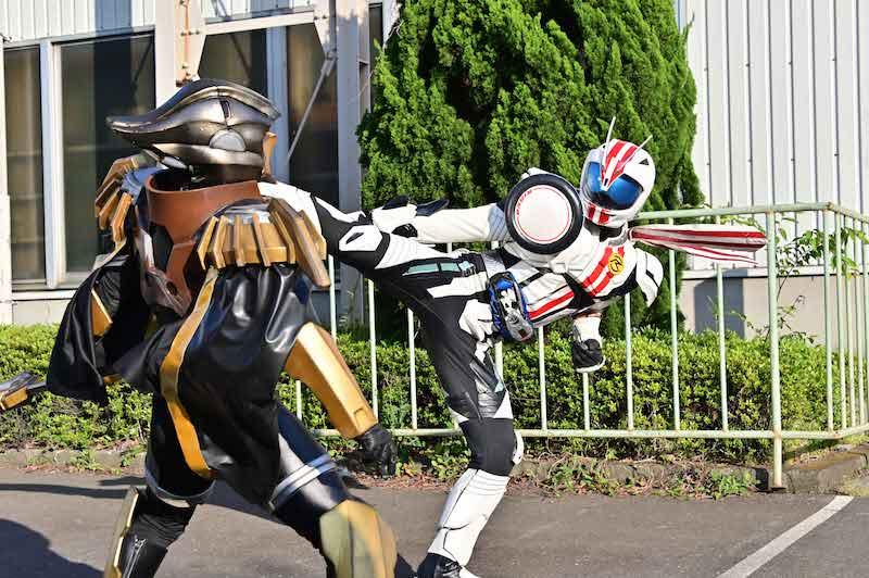 Kamen Rider ZI-O Over Quartzer Reveals Returning Rider and Cast Talk